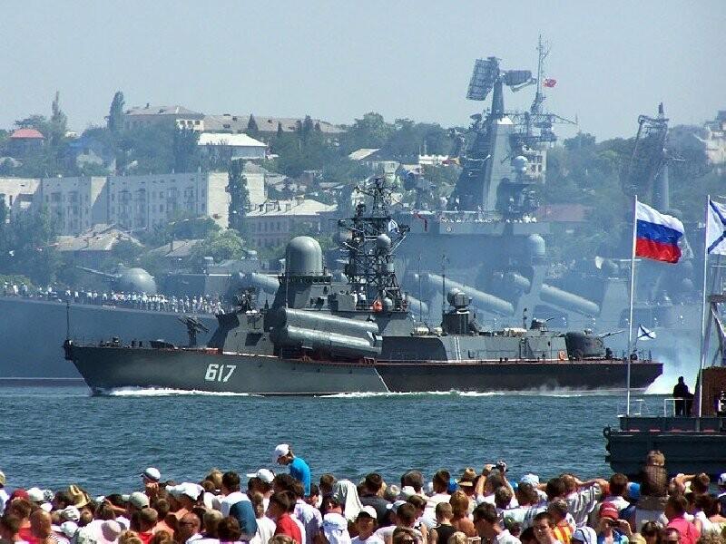 Пятерку самых популярных городов-героев и городов воинской славы для туристических поездок на 9 мая возглавил Севастополь