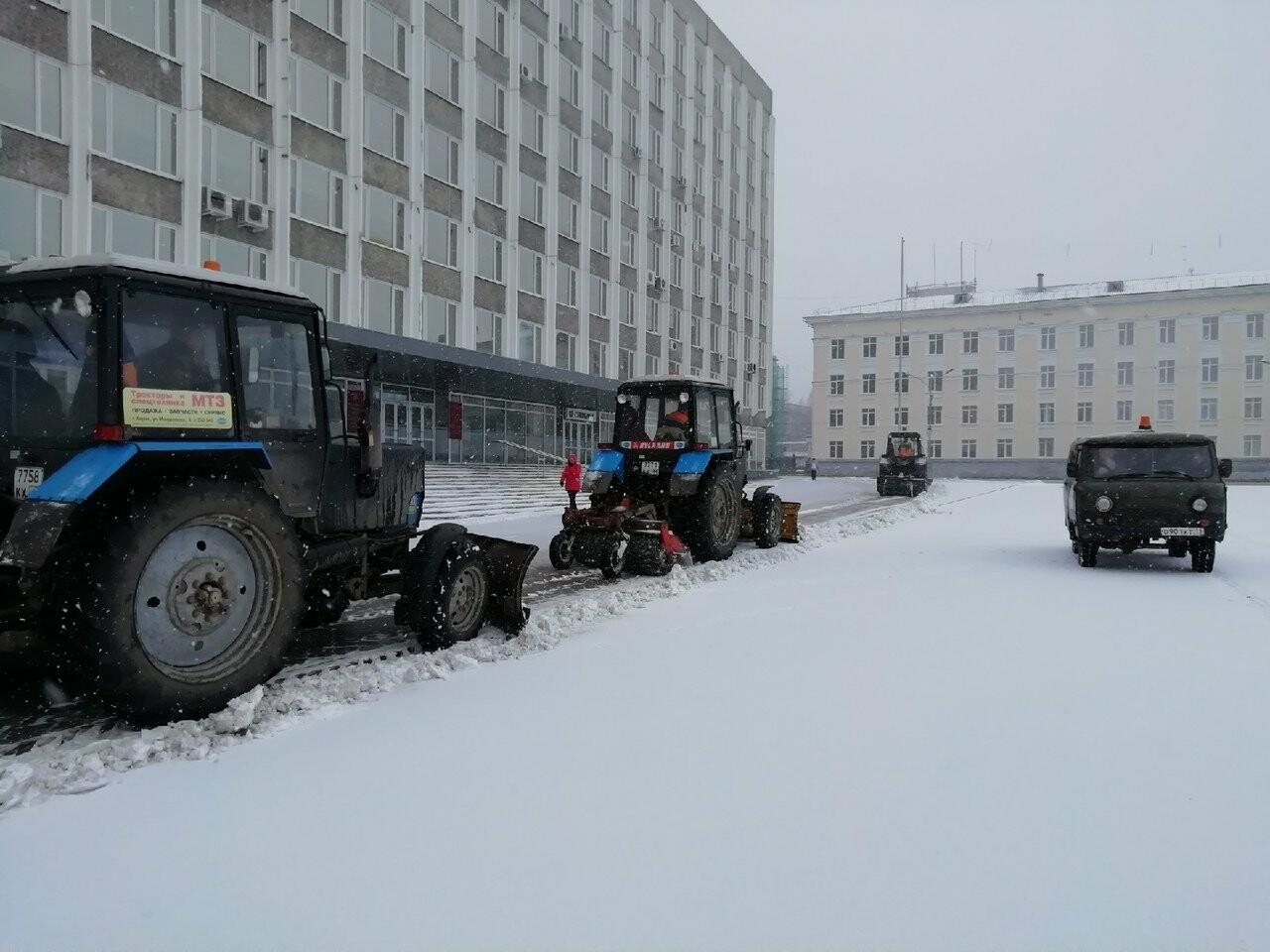 На Сыктывкар обрушился снегопад