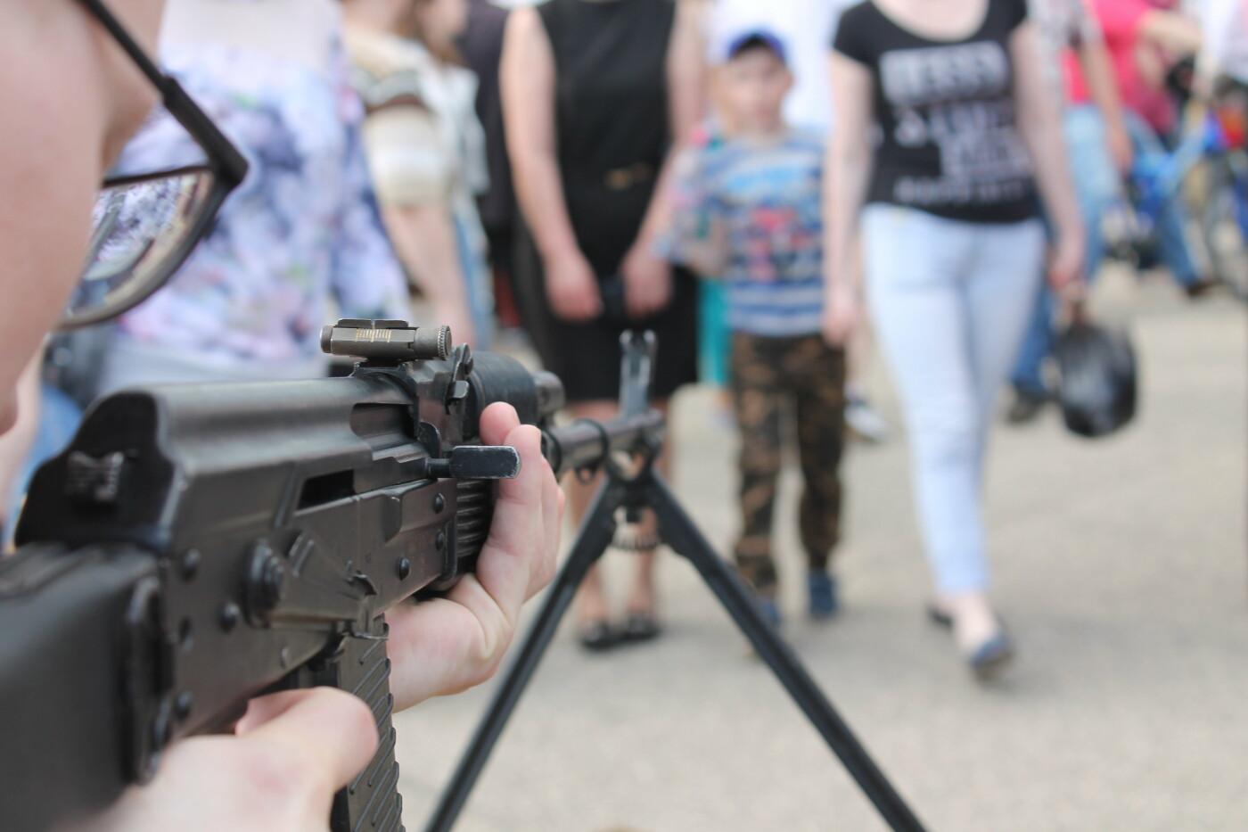 Макет ручного пулемета Калашникова, Анна Хайрова